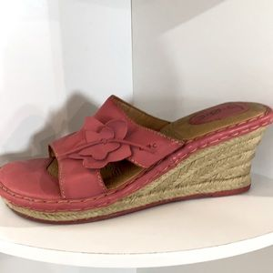 boc salmon color leather wedge sandals